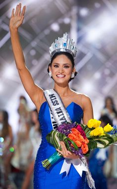 Miss Philippines Pia Alonzo Wurtzbach was crowned Miss Universe 2015 Sunday Miss Universe Crown, Miss Universe 2015, Miss Universe Philippines, Miss Philippines, Pageant Tips, Beauty Pageant, Miss Colombia, Filipina Beauty, Miss World