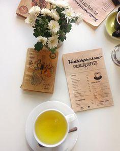 Sziasztok! Felkerült egy új poszt a blogra amiben megosztom veletek véleményemet Sopron egyik fancy speciality kávézójáról! ☕️✨ A linket megtaláljátok a profilomon! 🤗 . . . . . @kulturpresszo #kultupresszo #sopron #fancy #special #specialitycoffee #specialitycoffeeshop #blogpost #linkinbio #blogger #mik #magyarinstakozosseg #magyarblog #magyarblogger #coffee #greenta #stendal #lifestyle #lifestyleblogger #photography #piciftheday #art #culture #instagood #instadaily