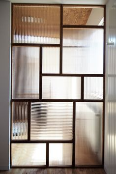 Schönheitssalon Design, Glass Design, House Design, Living Room Partition Design, Room Partition Designs, Office Interiors, Office Interior Design, Glass Partition Wall, Home Deco