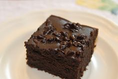 Fudgy Black Bean Brownies: SO easy, low-calorie, high fiber and protein. A treat you can feel good about feeding your family!