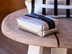 Louis Vuitton Damier, Diy Crafts, Couture, Facebook, Pattern, Vinyl Fabric, Creation Crafts, Vinyl Records, Money