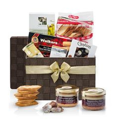 Pâté & Mousse Gourmet Gift Hamper If you are looking for a sophisticated gift idea, then this one is for you. Make your parents proud with this lovely Gourmet gift hamper that will blast the whole celebration. Send Gift Basket, Wine Gift Baskets, Gourmet Gift Baskets, Gourmet Gifts, Mousse, Chocolate Hampers, Belgian Beer, Belgian Chocolate, Baguette