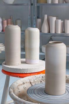 Impressions from the Tortus Studio in Copenhagen, Handgemachte Vasen von Tortus Copenhagen. Erhältlich bei Love Objects Lüneburg bei Hamburg, Salzstraße 23, Keramik, Keramikwerkstatt, Töpferei, Design. http://www.love-objects.de