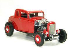 1932 FORD HOTROD RED Ertl 1:18 Scale DieCast Metal Model Car