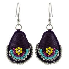 Gorgeous! Purple handcrafted textile earrings with beads of various coloursTotal drop: 5 cmMax width : 2.5 cm