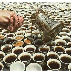 Só umas xícaras pra acordar o meu dia  Boa terça minha gente  #fazedoradecomida #cozinhadafa #receitas #receita #namesabrasil #instalove #love #cucina #Kitchen #gastronomia #culinaria #cultura #comidadeverdade #italy #italia #amocozinhar #amoficarnacozinha #instagood #instalike #cozinheira #chef #cozinheiro #donadecasa #mae #mulher #lardocelar #bomdia #cafedamanha #cafe by fazedoradecomida http://ift.tt/1Y0DXb5