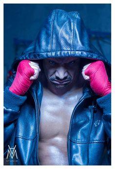 { OTYS MATHÉO } Lors de notre dernière séances nous étions en compagnie de Otys Mathéo un rappeur, au flow percutant. Un premier round au style alternatif, plus que convainquant. A suivre… #rap #mc #hiphop #boxing #round #street #urban #photography #OtysMathéo #A&MStudio #AetMStudio #MalikaAnthony #EricMadelaine Model - Othis Mathéo / Coaching - Malika Anthony pour A&M Studio / Photographer - Eric Madelaine pour A&M Studio