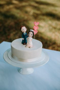Pop Up Wedding Cake | Gracehill Wedding | Auckland Wedding | Cake Topper #popupwedding #aucklandweddingphotographer Amazing Wedding Cakes, Wedding Cake Toppers, Desserts, Food, Tailgate Desserts, Dessert, Postres, Deserts, Meals
