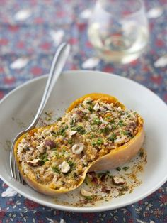 Recipe Butternut squash stuffed with rice and Recette Courge butternut farcie au riz et aux noisettes: Recipe Butternut squash stuffed with rice and hazelnuts: - No Salt Recipes, Veggie Recipes, Vegetarian Recipes, Cooking Recipes, Healthy Recipes, Healthy Food, Food Porn, Salty Foods, Vegan Gluten Free