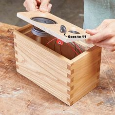 Here's a hand-built heirloom speaker that really turns up the volume on looks. Learn how to build a bluetooth speaker with box joints today. Speaker Box Diy, Bluetooth Speaker Box, Speaker Box Design, Speaker Plans, Woodworking Joints, Woodworking Workbench, Woodworking Workshop, Woodworking Projects, Intarsia Woodworking