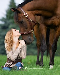 Katie and London – Senior Portrait Session » Focus Equine Photography Blog