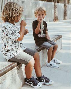 🍬FRIDAY🍬  ¿Qué plan tenéis para este finde?☺️   Nosotr@s os esperamos en nuestras tiendas 👉Zapatos Mayka🛍 con los mejores zapatos para toda la familia❤️ Converse Star Player, Kids Sneakers, Hipster, Stars, Fashion, Shoes For Girls, Slippers, Converse Star, Tents