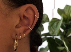 Conch piercing Related posts:Keily Cute Crystal Flower Star Sun Heart Hoop Ring Ear Piercing Jewelry - henna tattoo designsUnsere - henna tattoo. Ear Piercings Conch, Unique Ear Piercings, Ear Peircings, Cute Piercings, Ear Piercings Cartilage, Multiple Ear Piercings, Piercing Tattoo, Tragus, Double Cartilage
