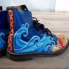 Very Koi painted blue Doc Martens van wingtips op Etsy