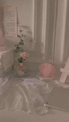 632 best angel aesthetic images in 2019 Peach Aesthetic, Angel Aesthetic, Aesthetic Themes, Aesthetic Images, Aesthetic Rooms, Aesthetic Vintage, Aesthetic Art, Aesthetic People, Aesthetic Photo
