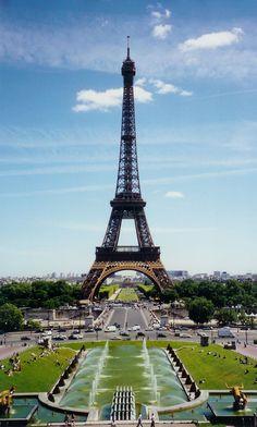 1024px-Eiffel_Tower_from_Place_du_Trocadéro.jpg (1024×1702)