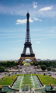 1024px-Eiffel_Tower_from_Place_du_Trocadéro.jpg (1024×1702)