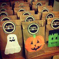 Halloween gift bags | I Did It Myself! | Pinterest | Craft