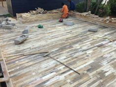 Raw pallet floor