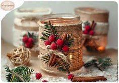 Cute idea for Christmas candles Simple Christmas, Handmade Christmas, Christmas Holidays, Christmas 2017, Christmas Projects, Holiday Crafts, Christmas Candles, Christmas Ornaments, Christmas Mason Jars
