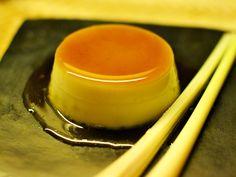 Crème Caramel mit Kokosmilch und Zitronengras - BANH KEM DUA SA - Zu finden auf: https://asiastreetfood.com/rezepte/creme-caramel-mit-kokosmilch-und-zitronengras/