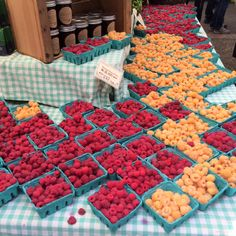 Portland State University Farmer's Market. Portland, Oregon. Raspberries