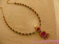 Emerald Necklaces Simple ruby emerald necklace What do you think of the colour? Ruby Jewelry, India Jewelry, Temple Jewellery, Wedding Jewelry, Beaded Jewelry, Gold Jewelry Simple, Emerald Necklace, Emerald Rings, Ruby Rings