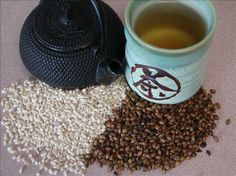 Known as Mugicha in Japan and Boricha in Korea, roasted barley tea is a very popular hot weather beverage thats noted for cooling down the body and cleansing the system. If you want a caffeine-free coffee substitute this is for you. A remedy for cold and Homemade Coffee Creamer, Coffee Creamer Recipe, Vanilla Recipes, Tea Recipes, Barley Recipes, Coffee Substitute, Baby First Foods, Detox Drinks, Best Coffee