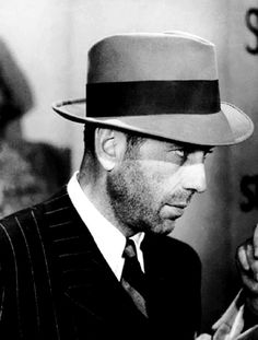 Humphrey Bogart, my fave actor of all time Hollywood Men, Golden Age Of Hollywood, Vintage Hollywood, Hollywood Stars, Classic Hollywood, Humphrey Bogart, Albert Camus, Detective, Bogie And Bacall