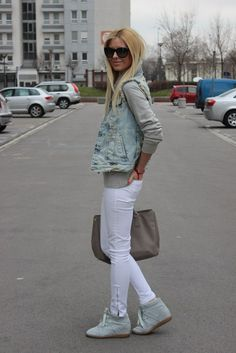 layers, white jeans, cute booties
