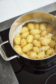 Master Chef, Pretzel Bites, Cookware, Bread, Food, Diy Kitchen Appliances, Kitchen Gadgets, Brot, Essen
