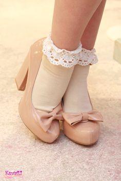 beige frilly ankle socks