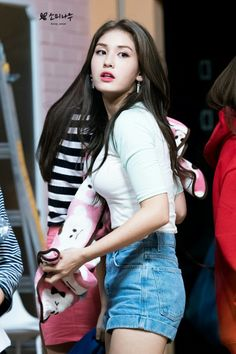 Somi, such a beautiful girl!