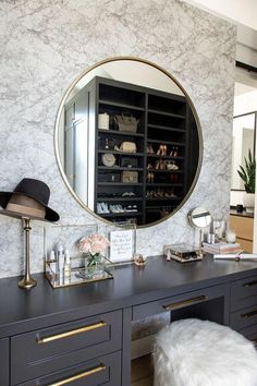 Black Vanity Dresser with Mirror . Black Vanity Dresser with Mirror . 14 Luxury Dressing Table with some Extra Mirrors Dressing Table Hacks, Built In Dressing Table, Dressing Table Organisation, Corner Makeup Vanity, Makeup Vanity Decor, Makeup Vanities, Makeup Rooms, Vanity For Sale, Masculine Bathroom