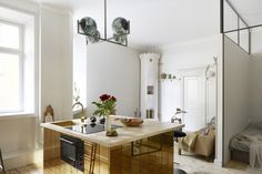 〚 Small apartment with gold kitchen island in Stockholm sqm 〛 ◾ Photos ◾Ideas◾ Design Small Living Rooms, Tiny Living, Small Apartments, Small Spaces, Decoracion Vintage Chic, Gold Kitchen, Compact Living, Quirky Home Decor, Scandinavian Interior Design