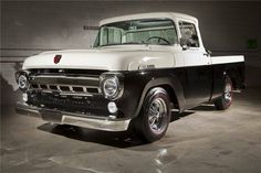 1957 FORD F-100 CUSTOM PICKUP