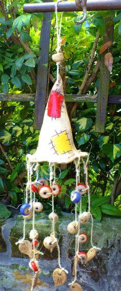 http://de.dawanda.com/product/63899659-Windspiel-Hexenhut-Girlande-Glocke-Gartenkeramik