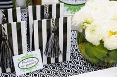 Graduation Party Favor Gift Bags - Love the tassle!