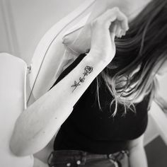 Rose Tattoo, Wrist Tattoo Yellow Rose Tattoos, Tiny Rose Tattoos, Rose Tattoos On Wrist, Tiny Tattoos For Girls, Cute Tattoos For Women, Palm Tattoos, Dainty Tattoos, Spine Tattoos, Infinity Tattoo On Wrist