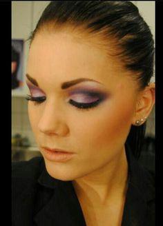 Linda Hallberg- eyeshadow makeup