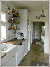 Maalaiskoti Myllyhaassa : Kurkistus keittiöön Kitchen Island, Kitchen Cabinets, Ikea, Retro, Table, Furniture, Home Decor, Kitchens, Projects