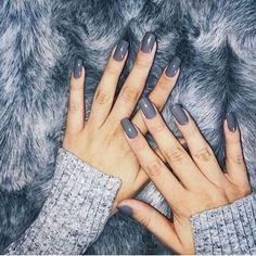 via @fashionininspo . For shopping click link in Bio @fshion.me_official . #kyliejenner#kyliecosmetics#kyliejennerchallenge#kylielipkit#kimkardashian#khloekardashian#kourtneykardashian#kendalljenner#lips#liner#metalmattelipstick#universodamaquiagem_oficial#hudabeauty#shophudabeauty#alyakattan#monakattan#maquiagem#shimycatsmua#peachyqueenblog#motd#makeuponfleek#sab_romano#wakeupandmakeup#brian_champagne#vegas_nay#videosfashions#allmodernmakeup#liveglam#makeupvideos