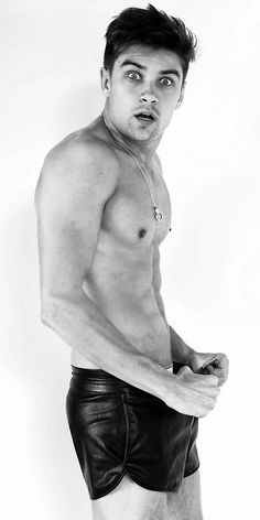 Stunning Brazilian model Raphael Sander stops by the studio of Marcio Amaral to pose for this fun and beautifully captured portrait series. Brazilian Models, Leather Shorts, Male Form, Hot Guys, Underwear, Poses, Mens Fashion, Black And White, Swimwear