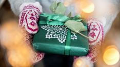 Julegavetips, julegodteri og spiselige julegaver - MatPrat Coin Purse, Gift Wrapping, Gifts, Diy, Xmas Presents, Paper Wrapping, Presents, Bricolage