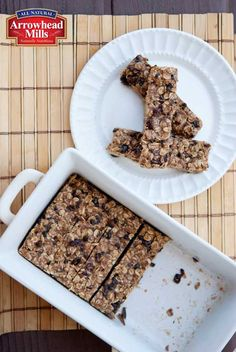Clean Eating No Bake Oatmeal Granola Bars - yummy addition of cacao nibs!