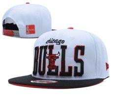 Casquette NBA Chicago Bulls Snapback Blanc Noir Casquette New Era Pas Cher