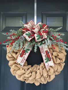 Burlap Christmas Wreath with Red Truck Ribbon, Vintage Red Truck Rustic Burlap Wreath with Flocked Pine Branches and Red Berries Sackleinen-Weihnachtskranz mit rotem LKW-Band, Vintager roter LKW-rustikaler Leinwand-Kranz mit beflocktem P Mesh Ribbon Wreaths, Holiday Wreaths, Red Ribbon, Winter Wreaths, Burlap Wreaths, Burlap Ribbon, Burlap Christmas Tree, Christmas Crafts, Diy Christmas Ribbon Wreath