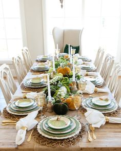 Get inspired by these perfect fall tablescapes! Which one is your fav: 4 or Tag your Thanksgiving tablescape and other home pics with to get featured! Thanksgiving Table Settings, Thanksgiving Centerpieces, Christmas Tablescapes, Holiday Tables, Autumn Centerpieces, Thanksgiving Projects, Thanksgiving Feast, Wooden Candlestick Holders, Green Plates
