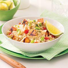 Salade de quinoa et tofu grillé à l'érable - Soupers de semaine - Recettes 5/15 mettre le tofu en mini cube Seitan, Tempeh, Vegan Vegetarian, Vegetarian Recipes, Healthy Recipes, Edamame, Plant Based Recipes, Potato Salad, Meal Prep