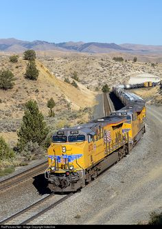 Net Photo: UP 8173 Union Pacific GE at Oxman, Oregon by Indecline Union Pacific Railroad, Milwaukee Road, Burlington Northern, Railroad Photography, Norfolk Southern, Train Pictures, Train Journey, Diesel Locomotive, Favorite Pastime